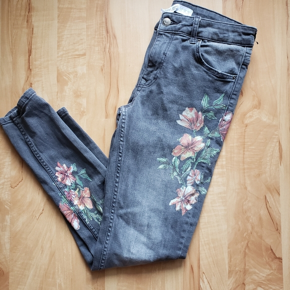 Zara Basic Denim Floral Grey Jean's sz 6